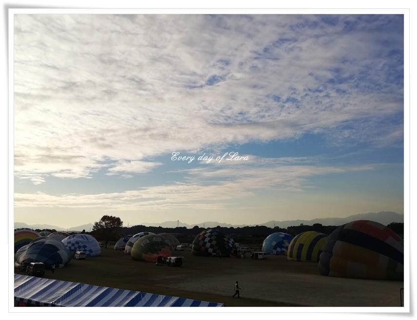 早朝の熱気球のはじまり~