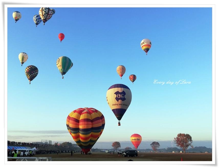 熱気球が飛び立つ2